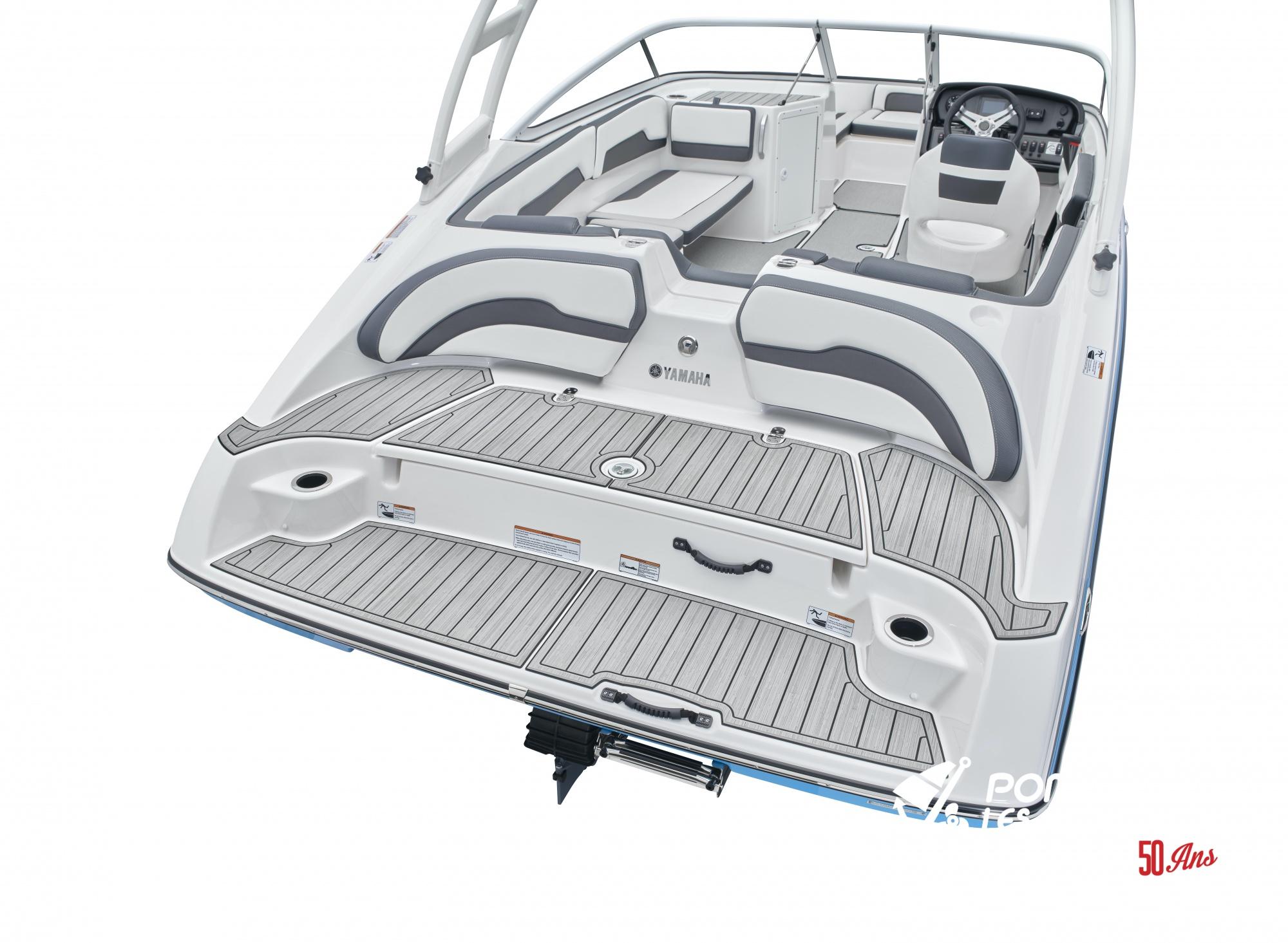 Yamaha AR 195 - 2021_AR195_Detail_Swim Platform