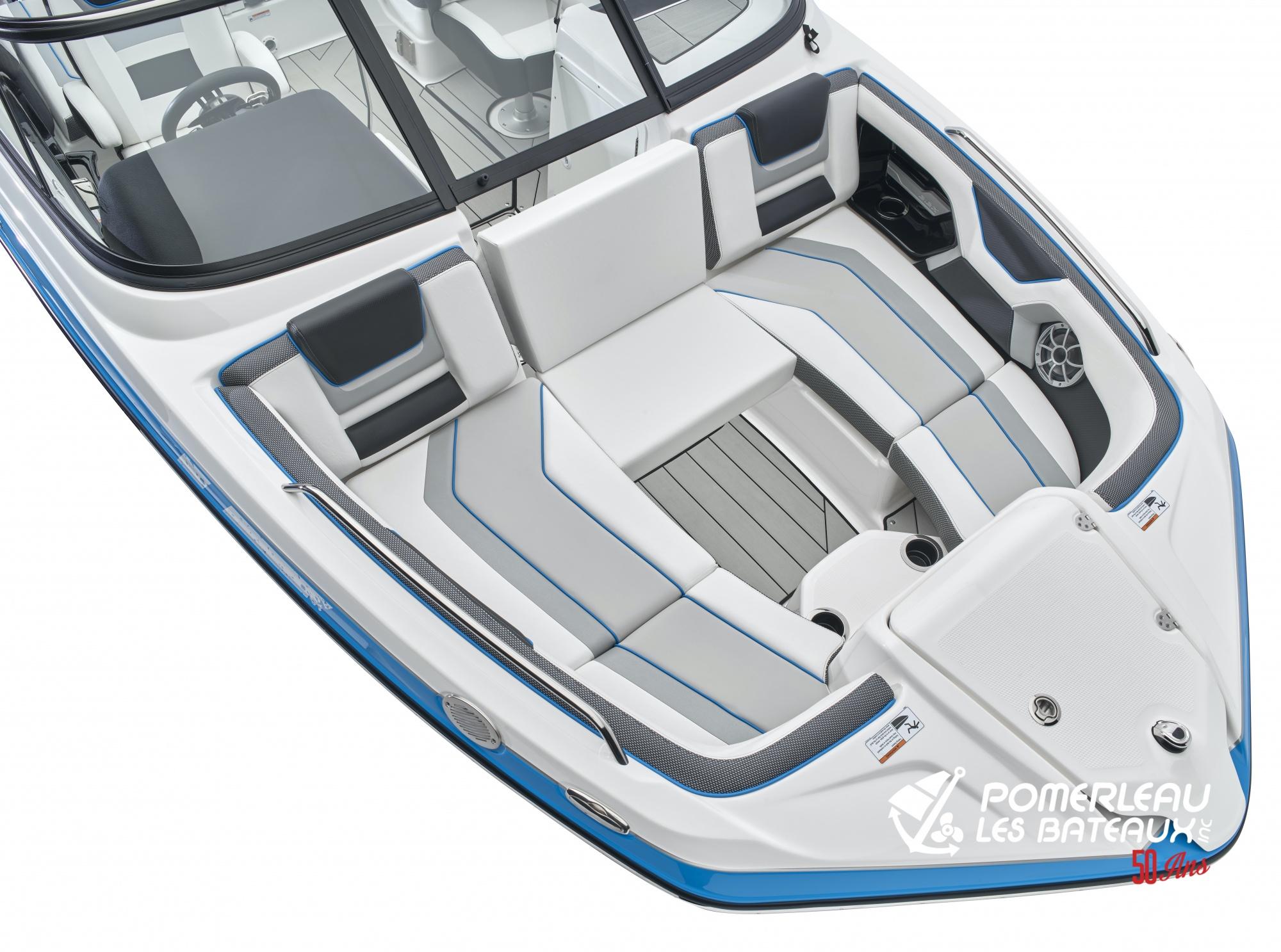 Yamaha 212 XE - 212XD_Bow Seating-4