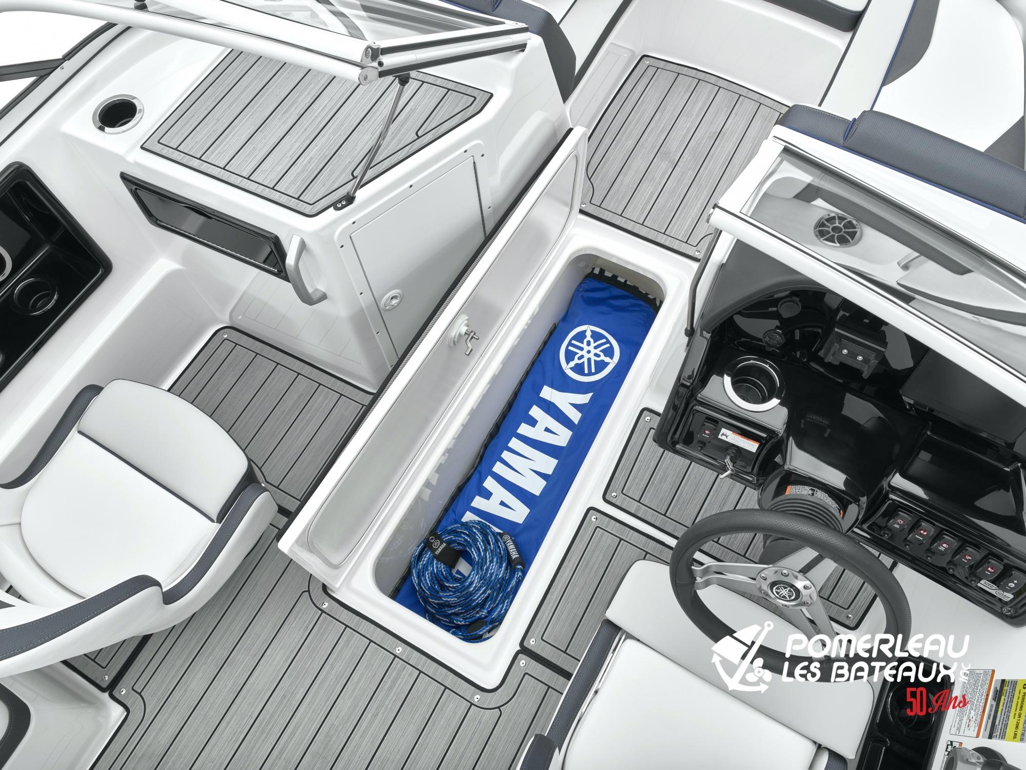 Yamaha 195 S - 2021_195S_Detail_In Floor Storage-2