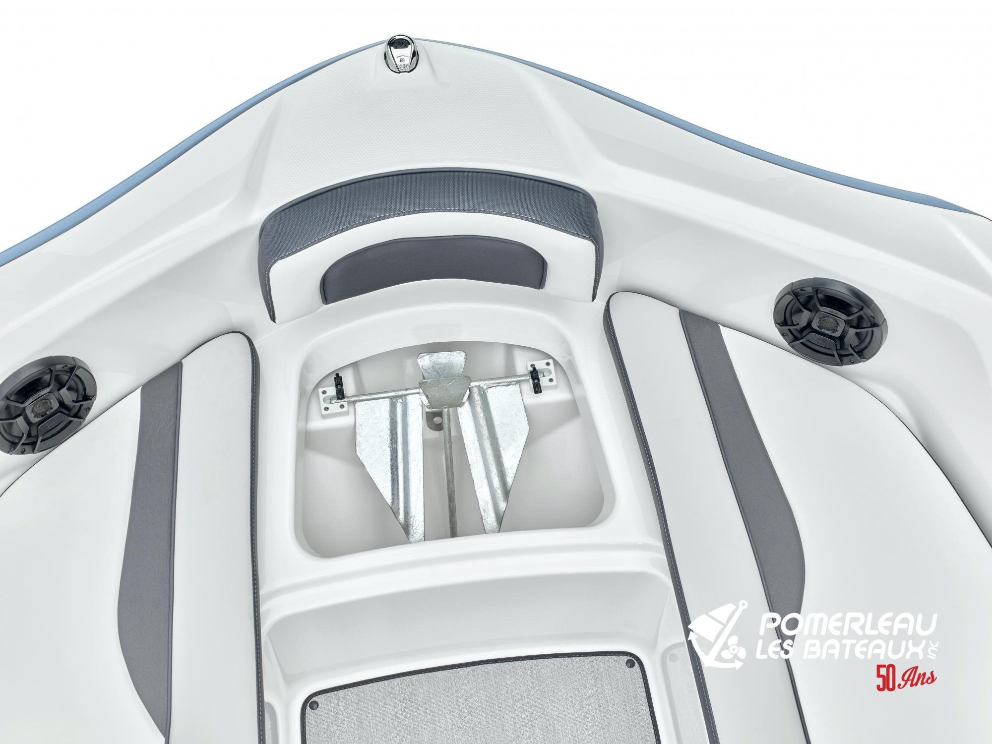 Yamaha AR 195 - 2021_AR195_Detail_Anchor Locker