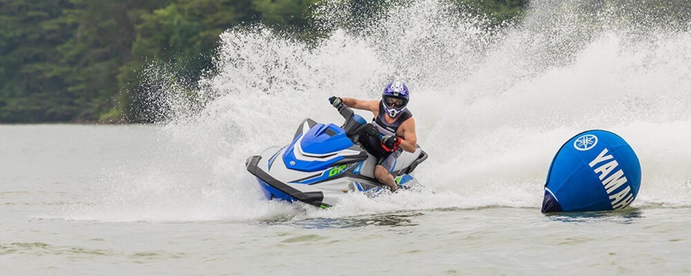 Yamaha GP 1800R HO - 2020_GP1800R_HO_Blue_Action_1