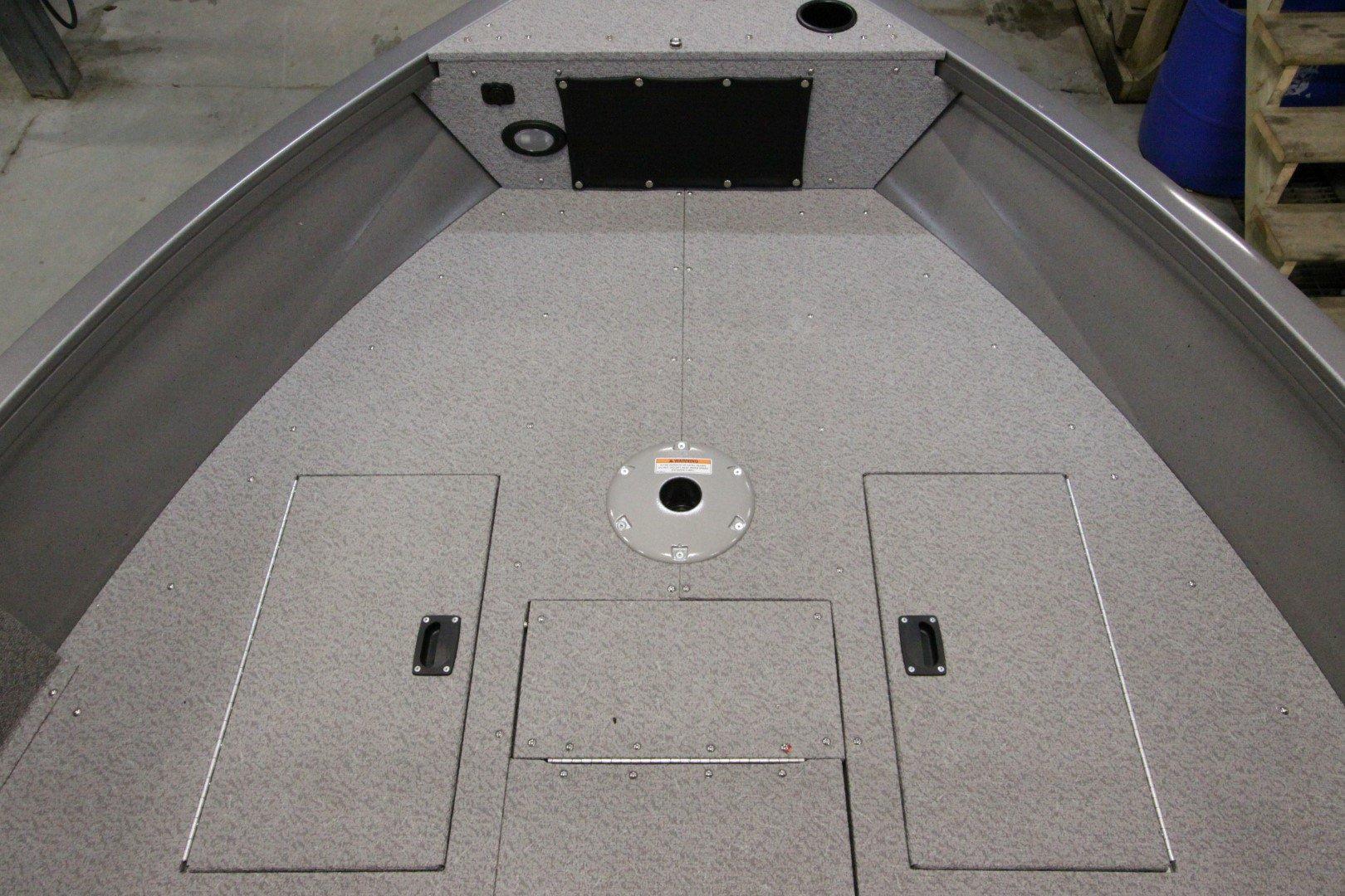 Crestliner Vision 1700 - IMG_9471