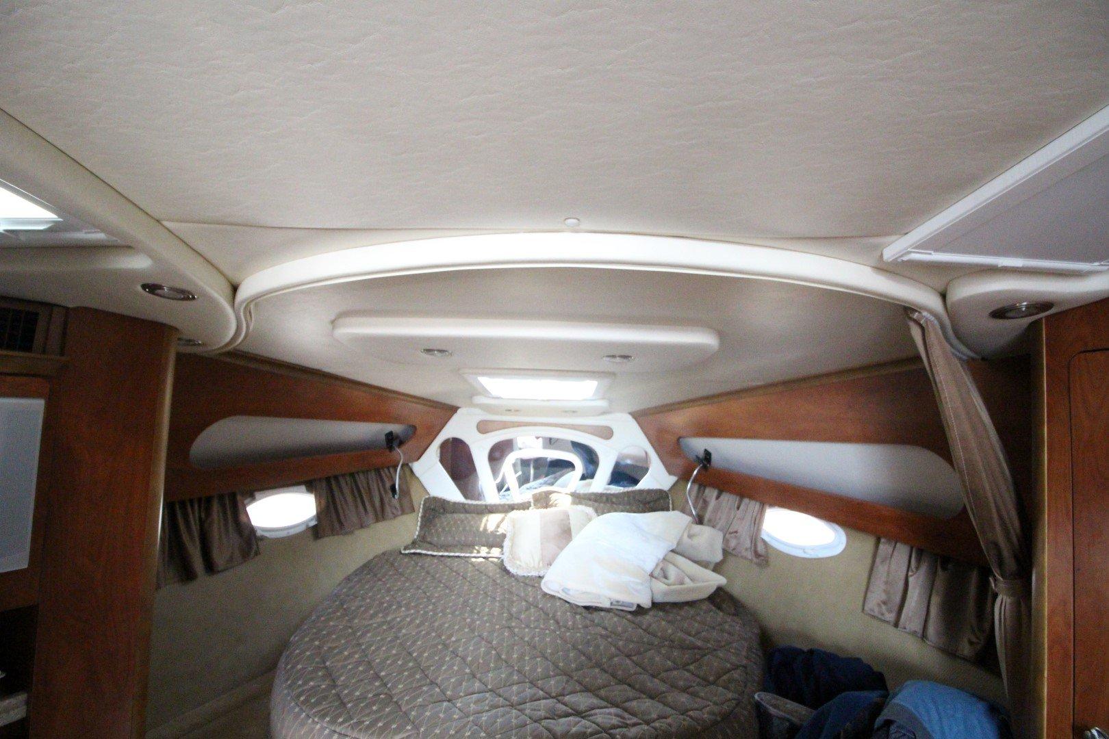 Rinker Express Cruiser 350 - IMG_2279