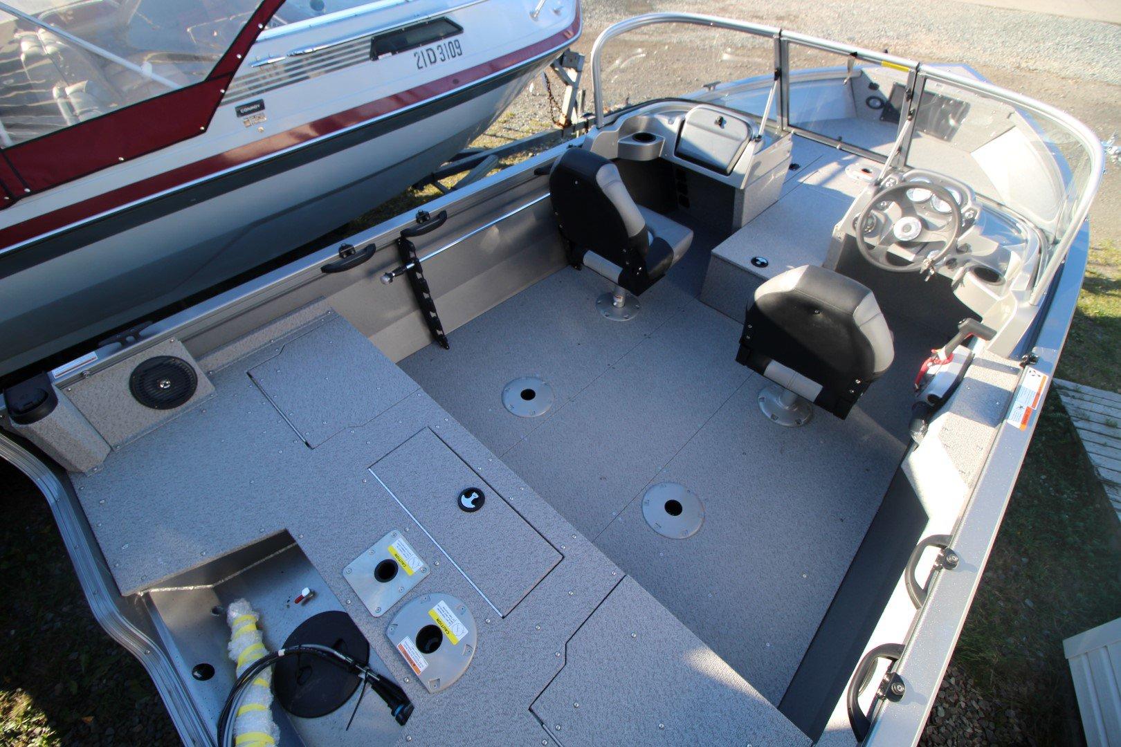 Crestliner Vision 1700 - IMG_2437