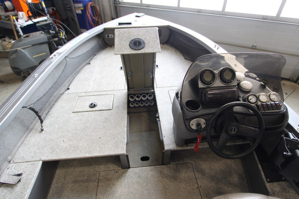 Crestliner Fishhawk 1750 - IMG_4036