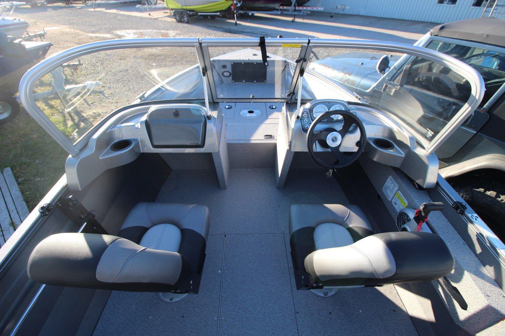 Crestliner Vision 1600 - IMG_2462