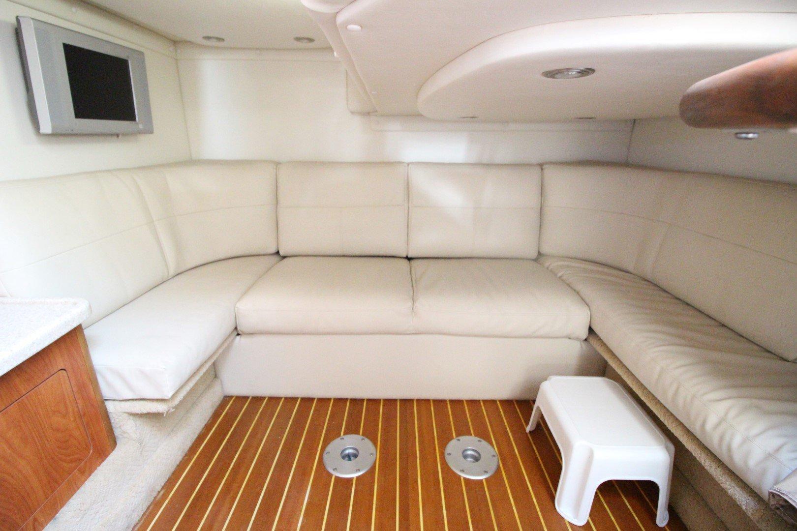 Rinker Express Cruiser 350 - IMG_2283