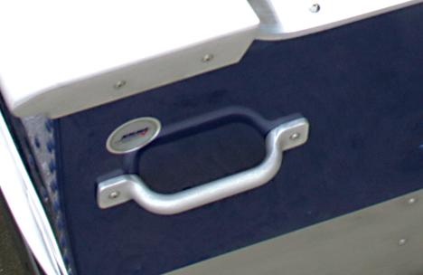 Crestliner 1461L OUTREACH - key-features-2-x-2_737375