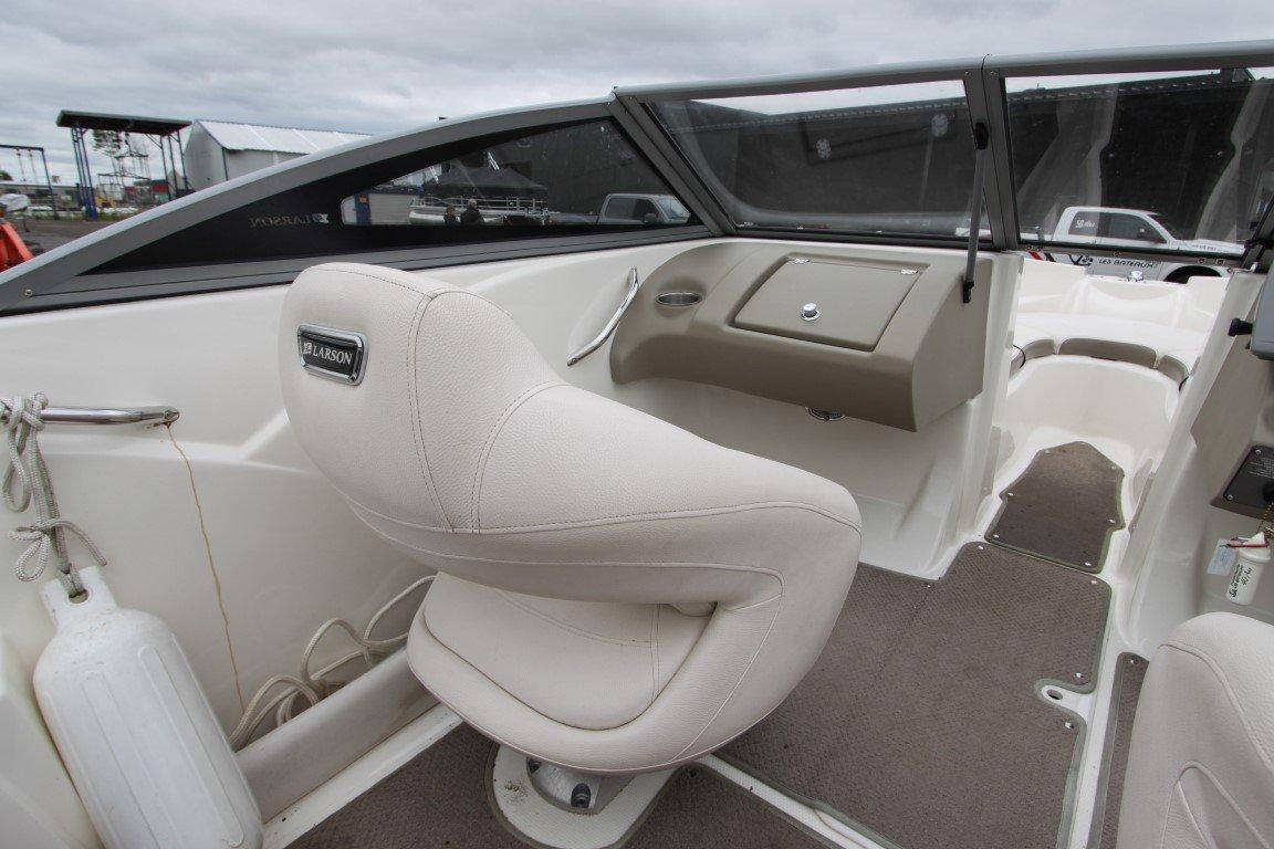 Larson LX 850 - IMG_7125