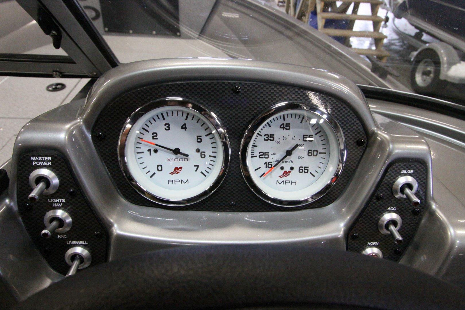 Crestliner Vision 1600 - IMG_9376