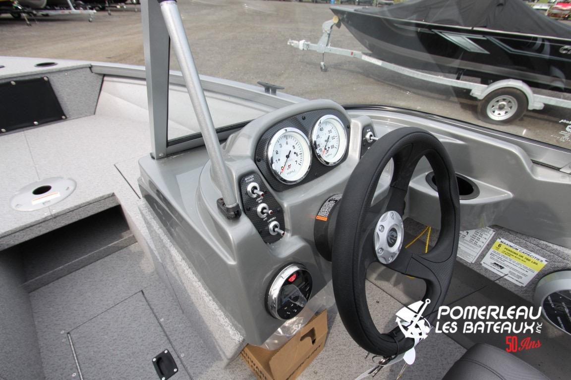 Crestliner Vision 1700 - IMG_1469