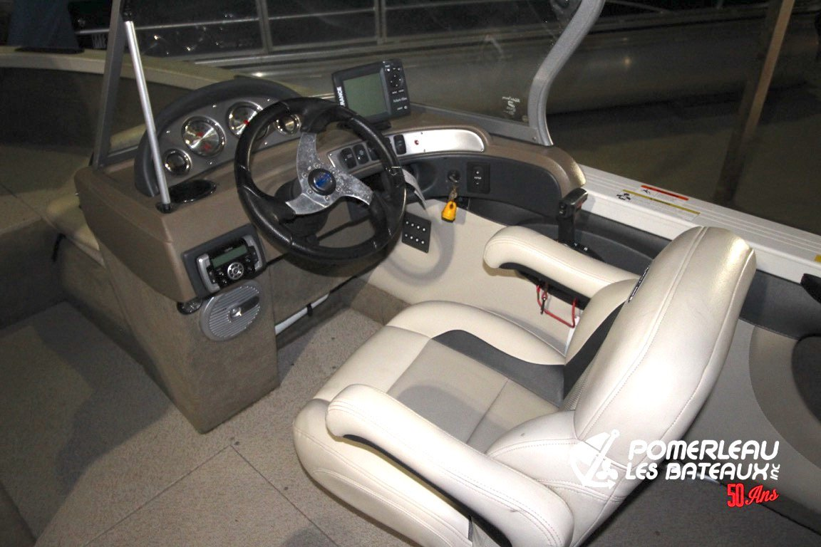 Crestliner Superhawk 1750 - IMG_5560