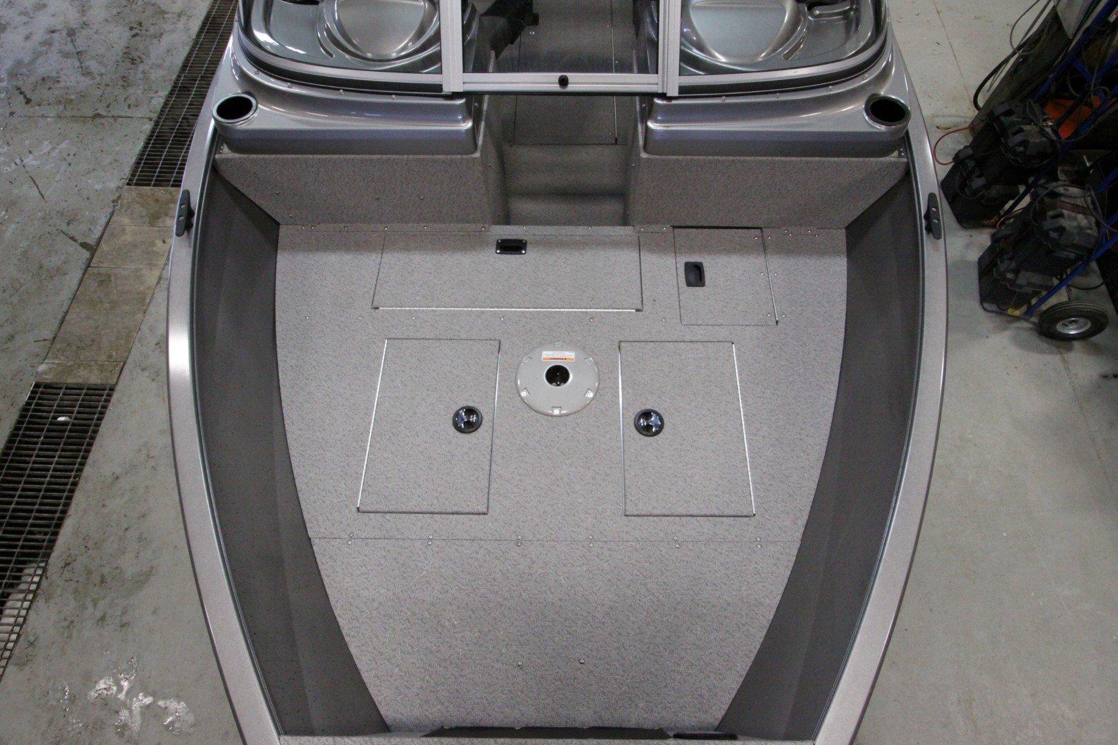 Crestliner Vision 1600 - IMG_9396