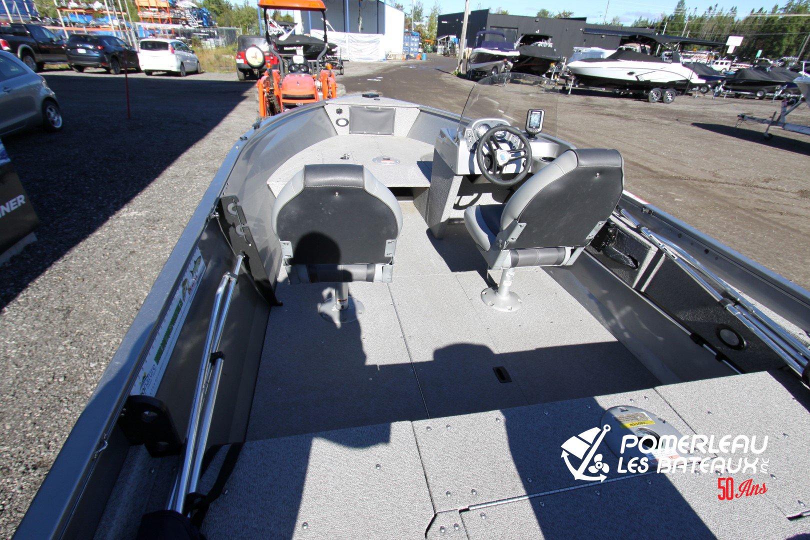Crestliner Vision 16 SC - IMG_5848