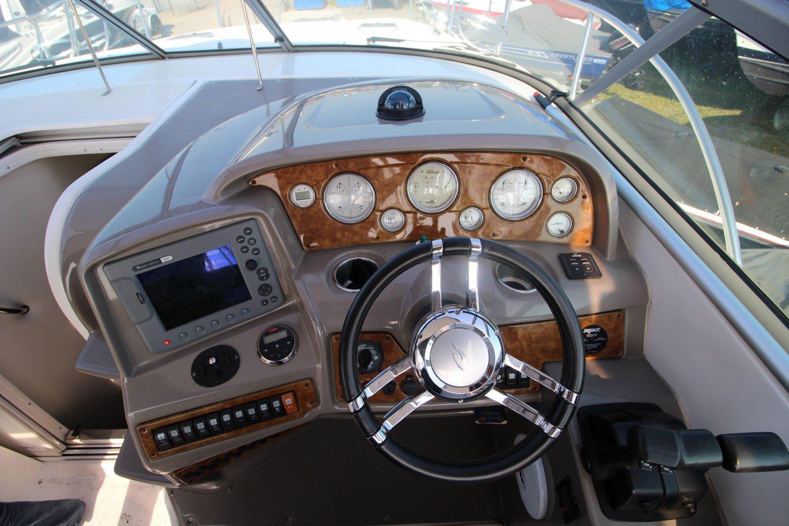 Rinker Express Cruiser 350 - IMG_2284