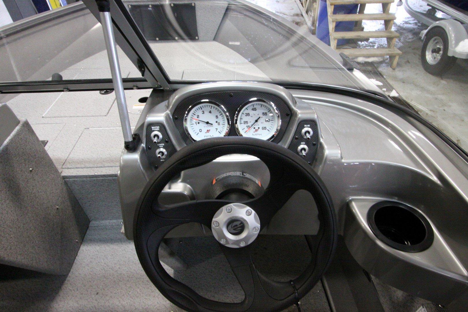 Crestliner Vision 1600 - IMG_9375