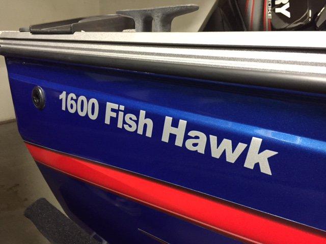 Crestliner Inc Fish Hawk 1600 - IMG_5618