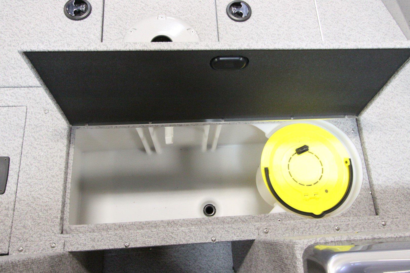 Crestliner Vision 1600 - IMG_9386