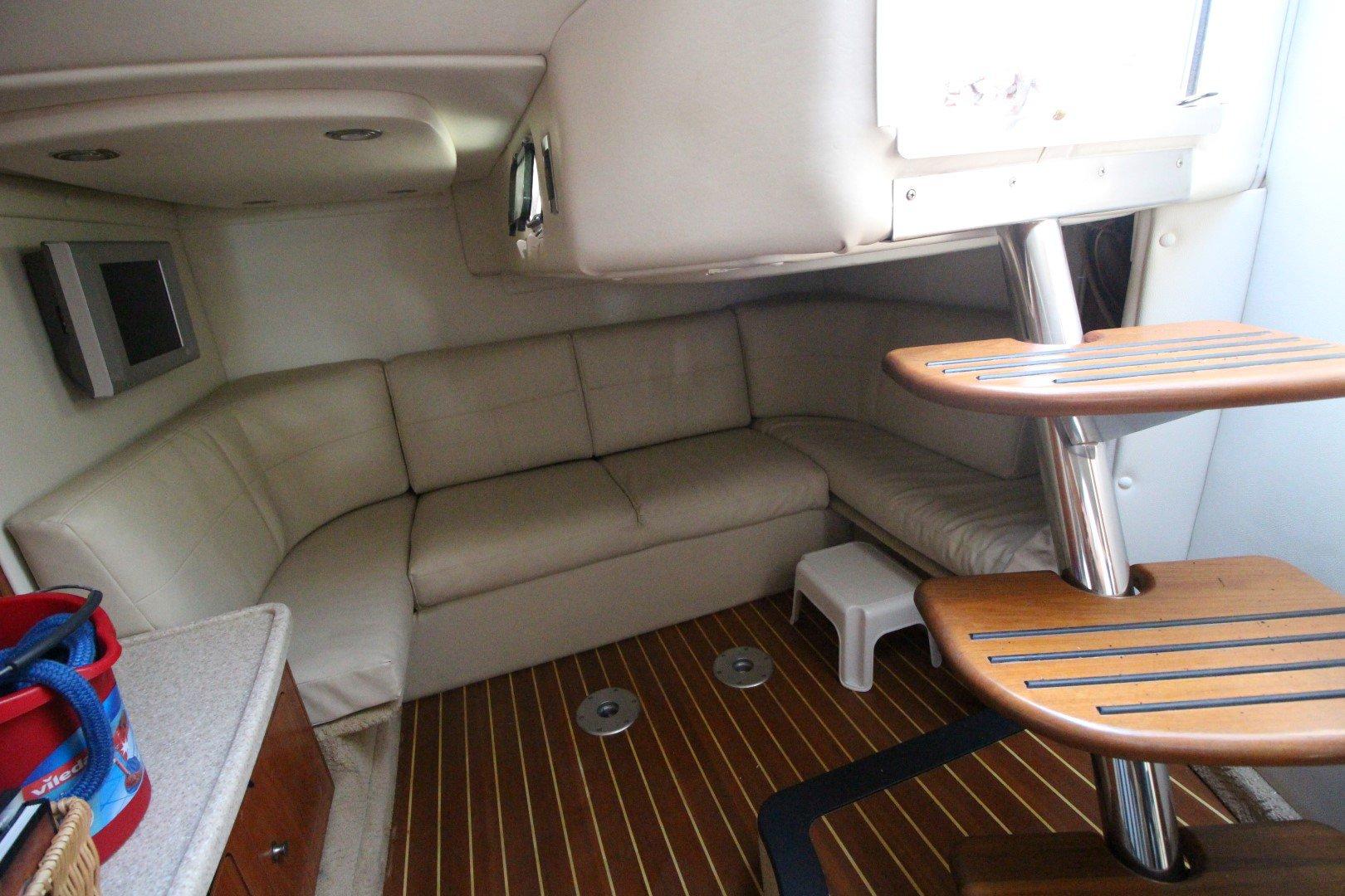 Rinker Express Cruiser 350 - IMG_2280