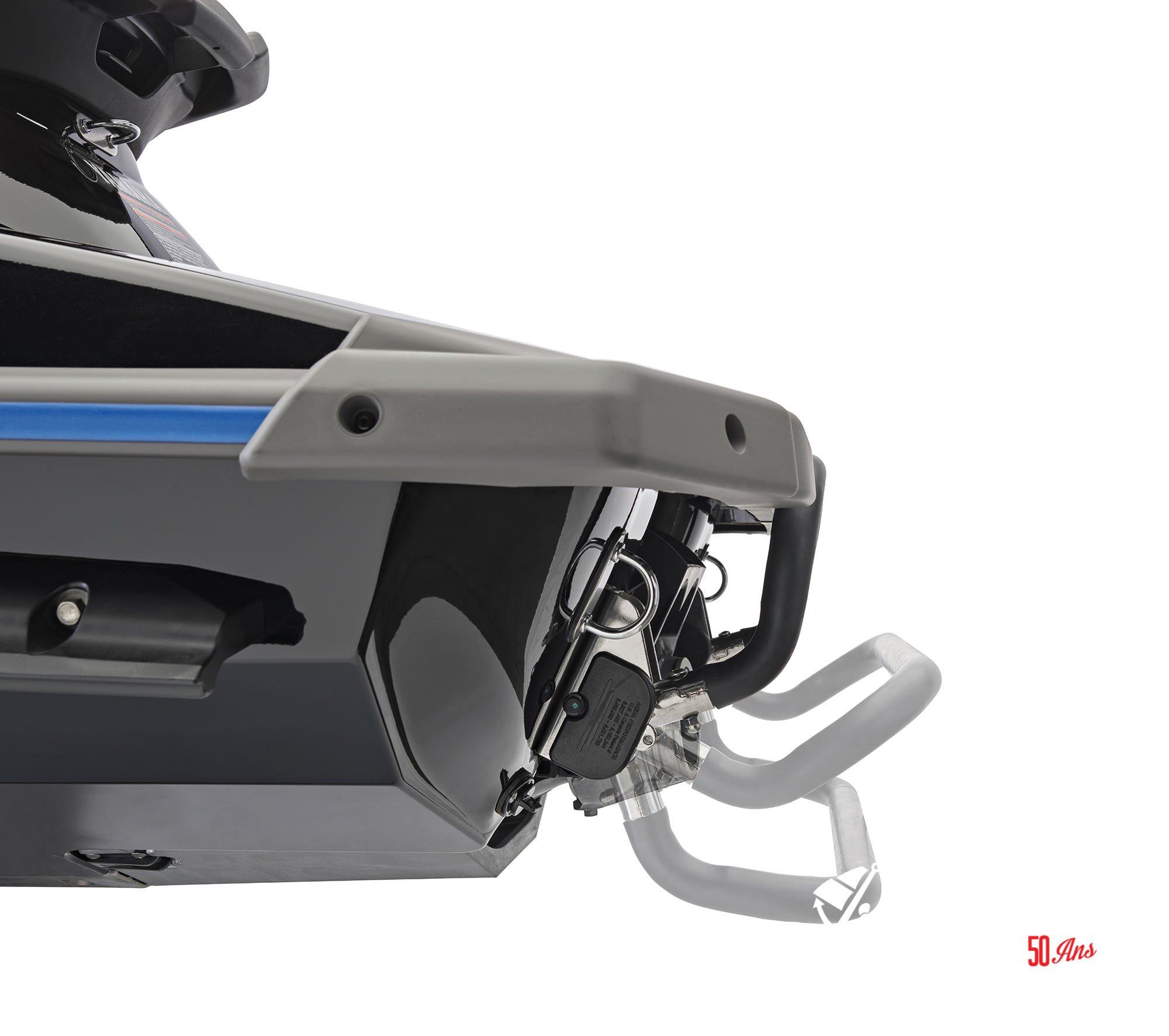 Yamaha VXR - 2018-VXR-Blue-Reboarding-Step-1_l