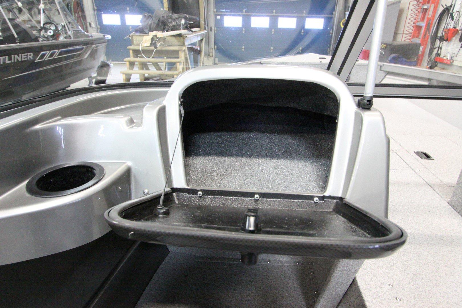 Crestliner Vision 1600 - IMG_9431
