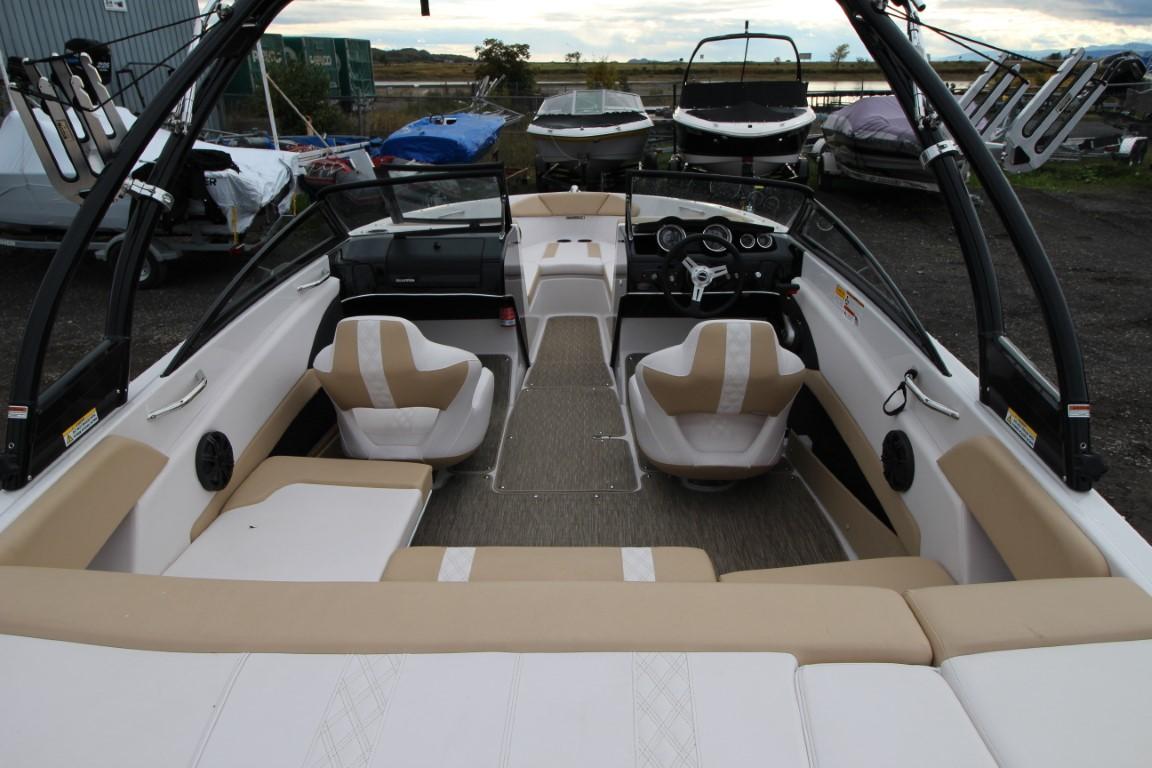 Glastron GT 205 - IMG_8509 (Moyen)