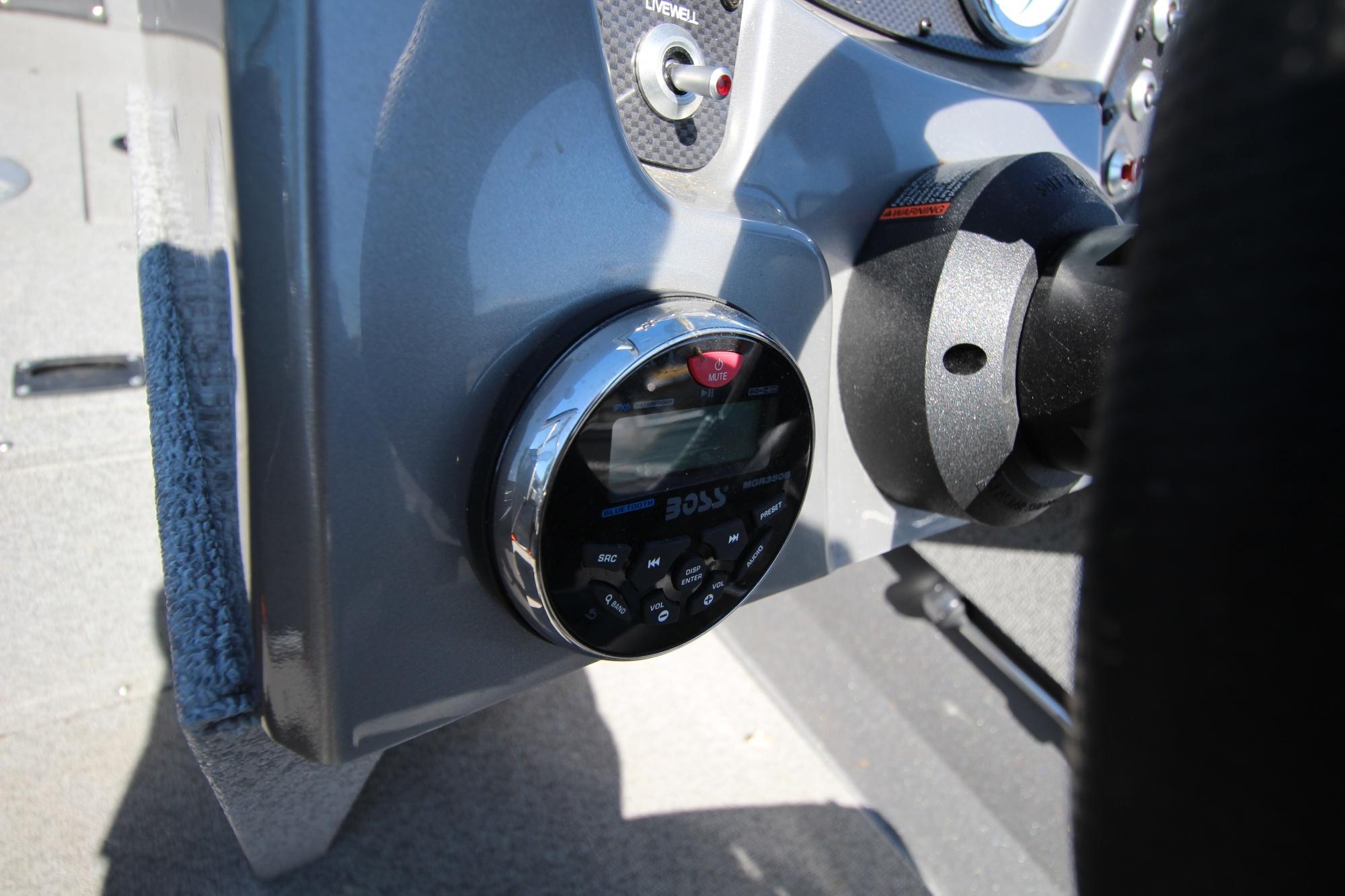 Crestliner Vision 1600 - IMG_8026