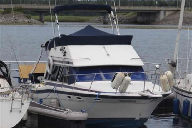 Bayliner Contessa 2850 Flybridge