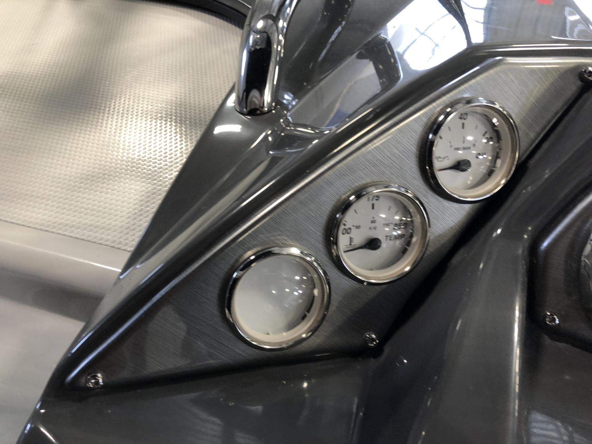 Larson Cabrio 857 - 3EA941E1-F406-4B6F-A002-D1871673D6D5.jpeg