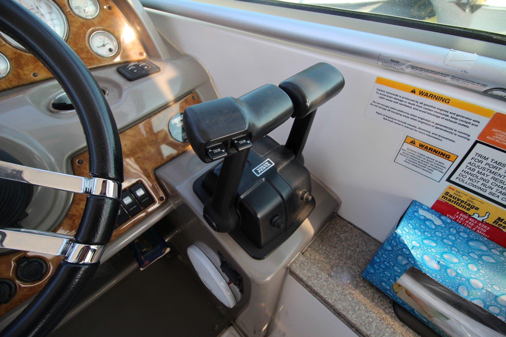 Rinker Express Cruiser 350 - IMG_2288