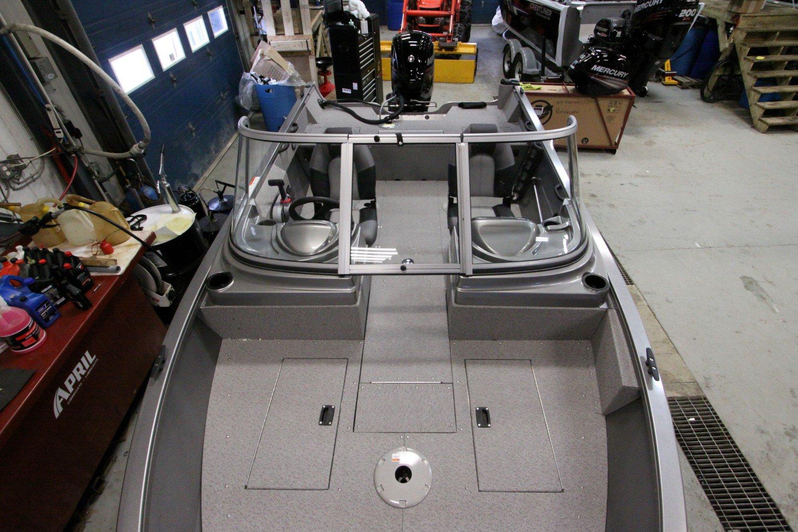 Crestliner Vision 1600 - IMG_9441