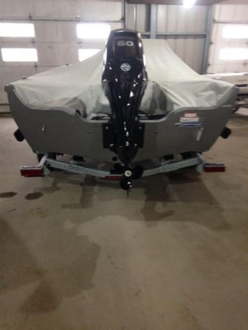 Crestliner Inc Fish Hawk 1600 - 32182