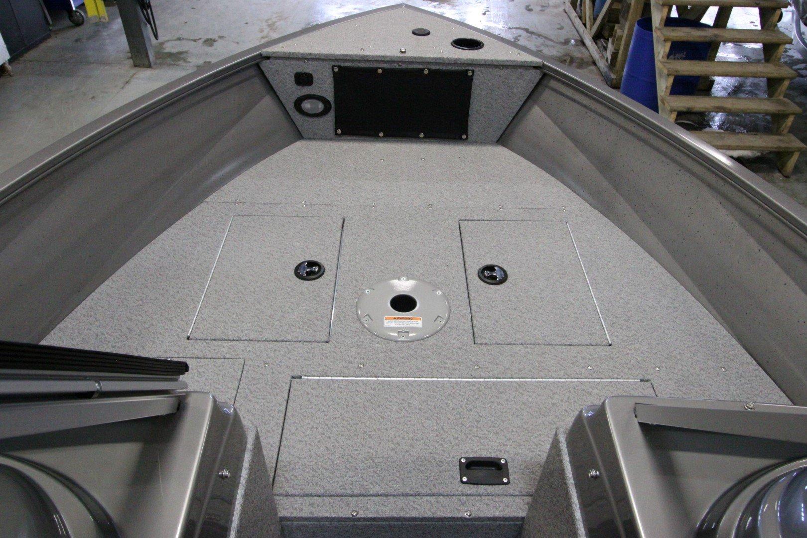 Crestliner Vision 1600 - IMG_9385