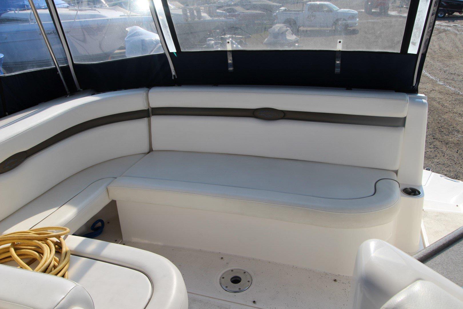 Rinker Express Cruiser 350 - IMG_2265
