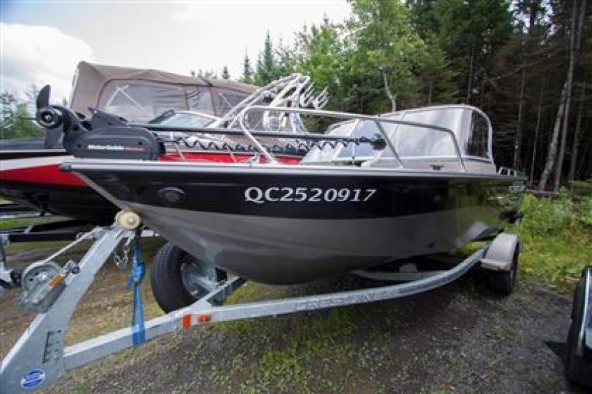 Crestliner Inc Canadian 1650 - 31960
