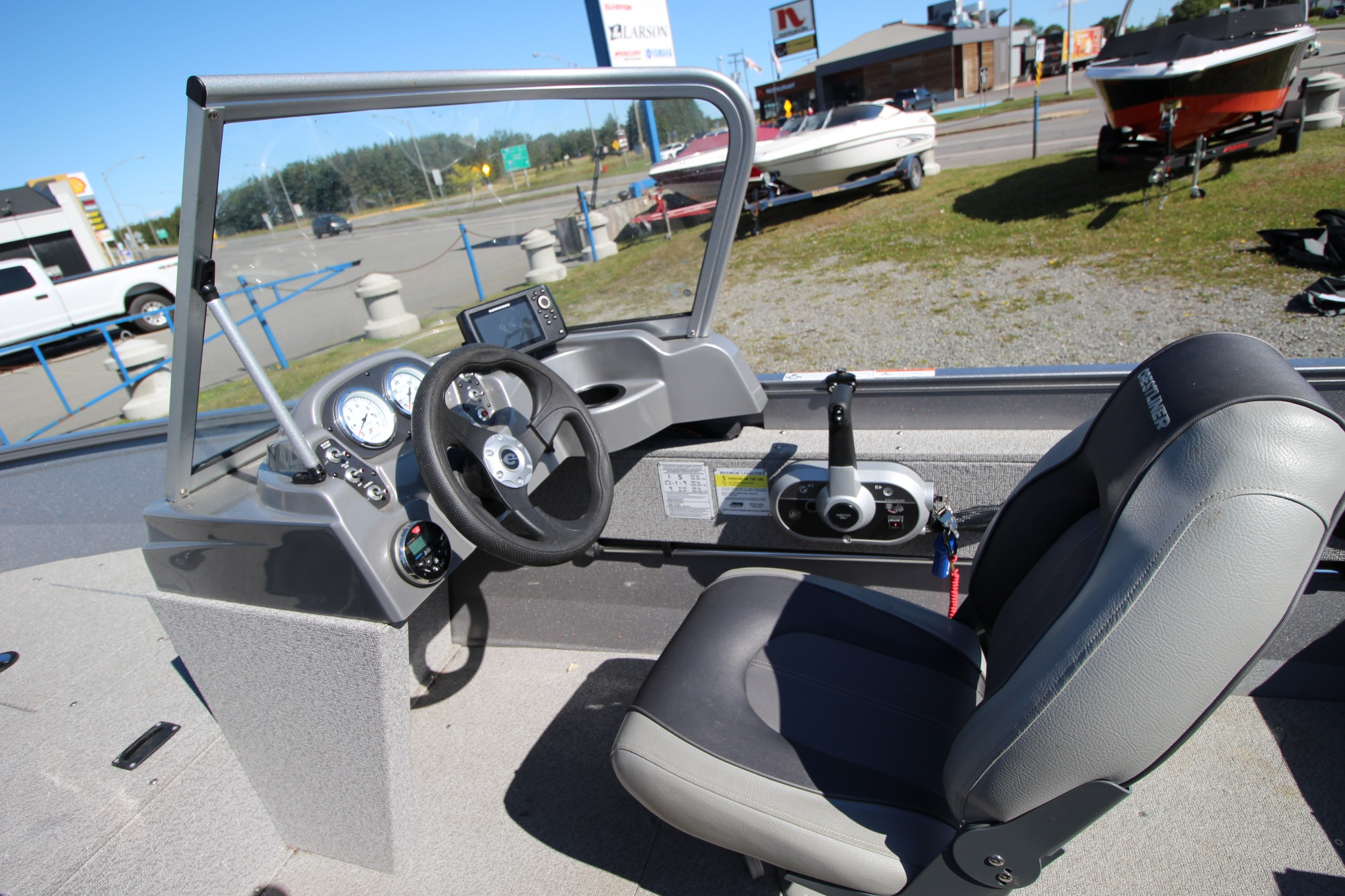 Crestliner Vision 1600 - IMG_8024