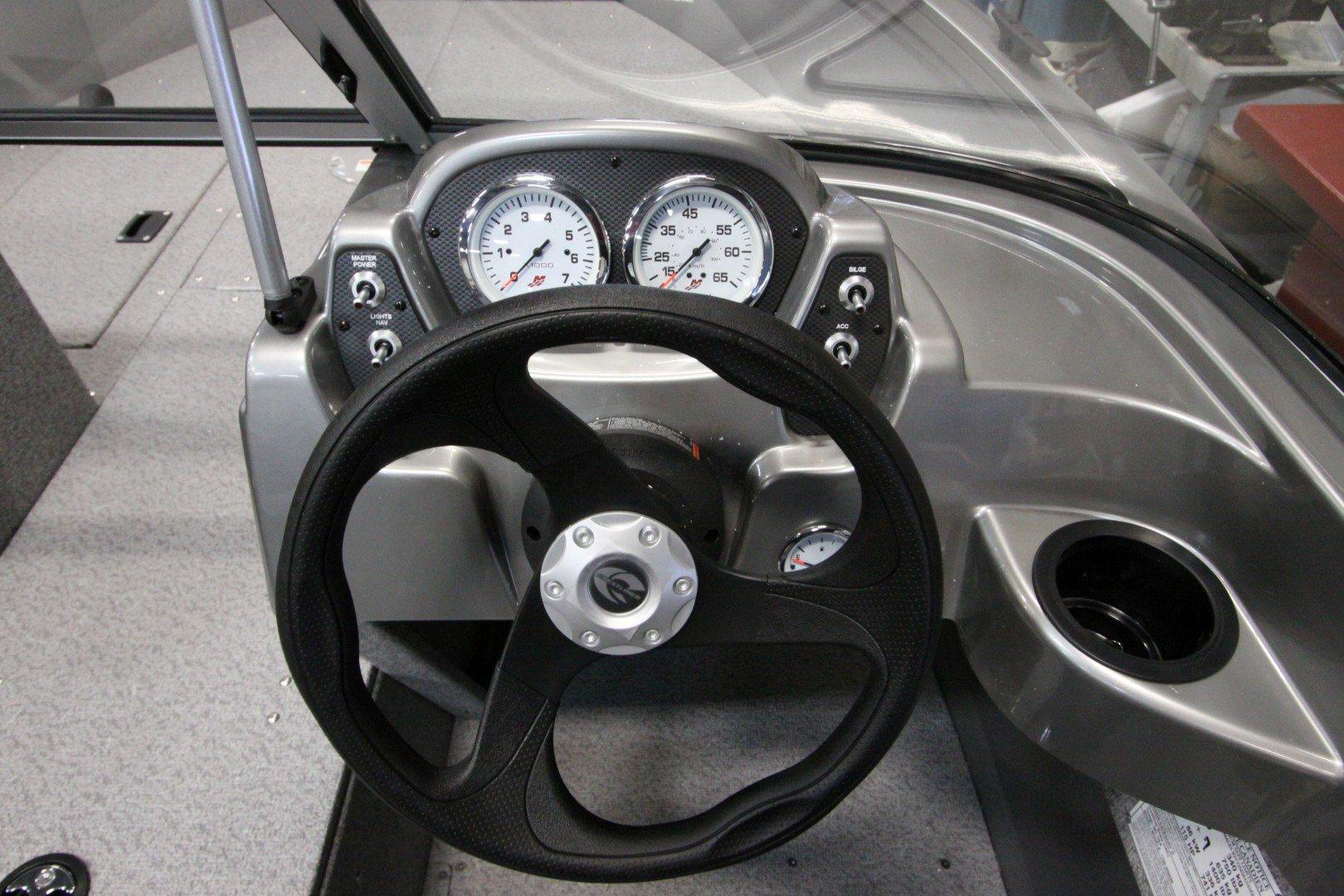 Crestliner Vision 1600 - IMG_9427