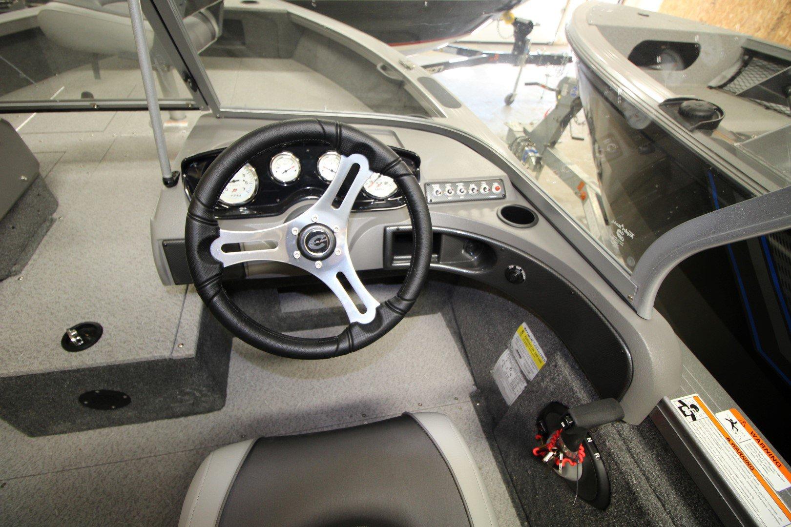 Crestliner FishHawk 1750 WT - IMG_2182