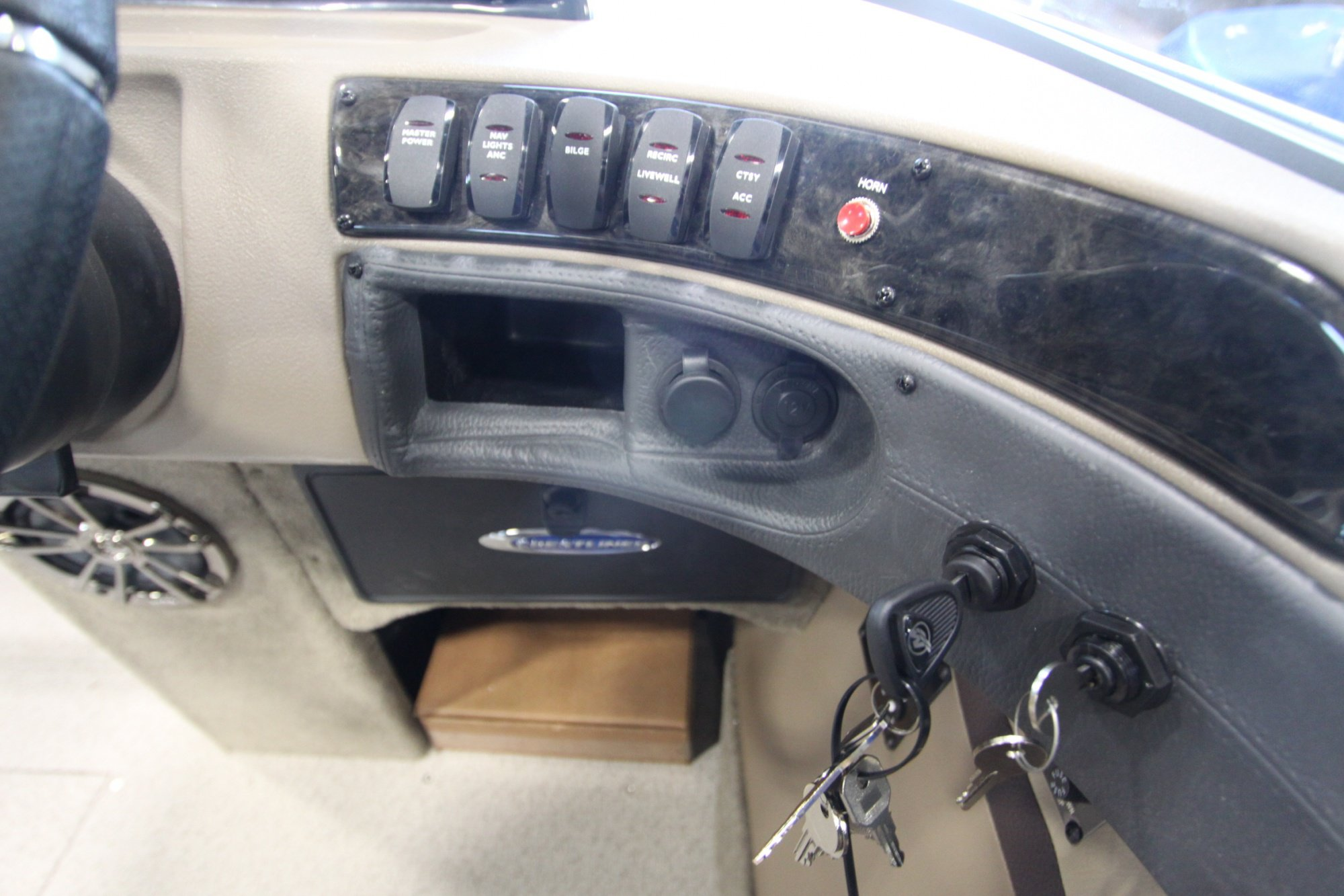 Crestliner Sportfish 2150 SST - IMG_3621