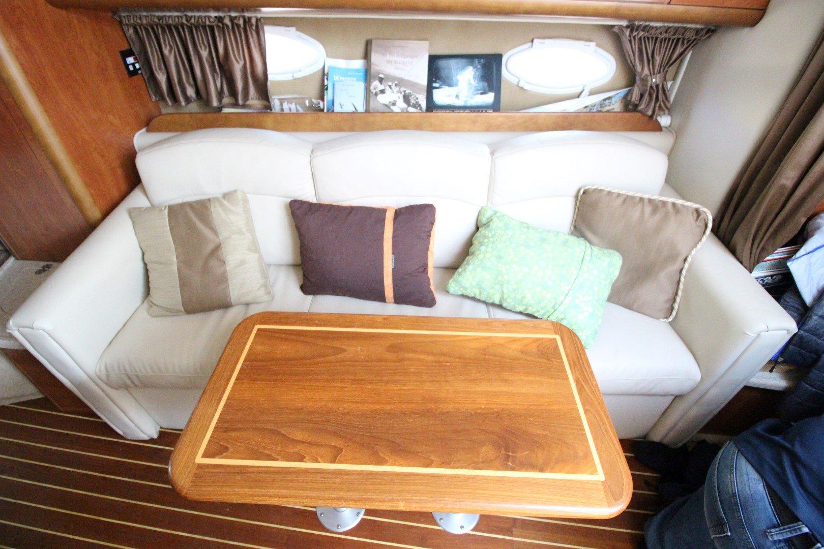 Rinker Express Cruiser 350 - IMG_2275