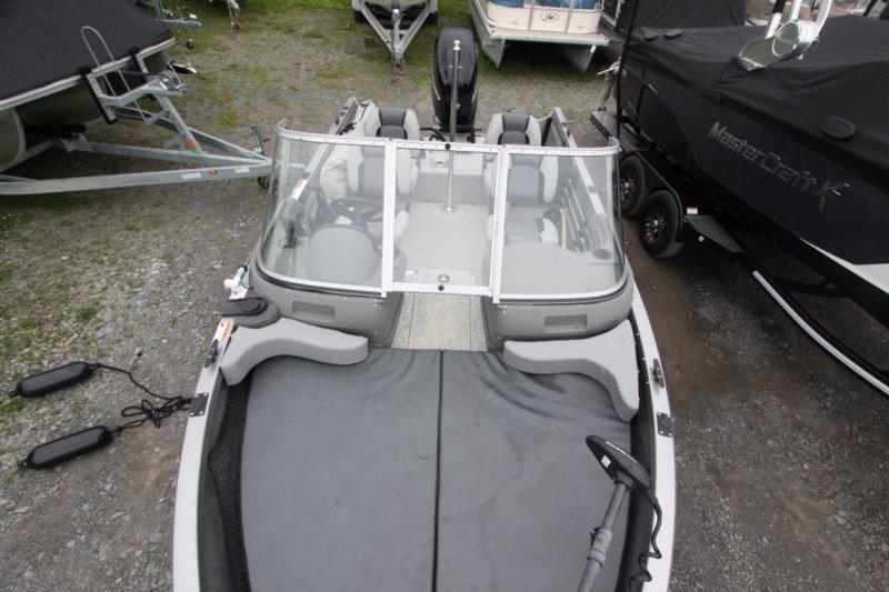 Crestliner 1650 Fish hawk WT - IMG_8405