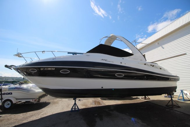 Cruiser Yachts 300 express