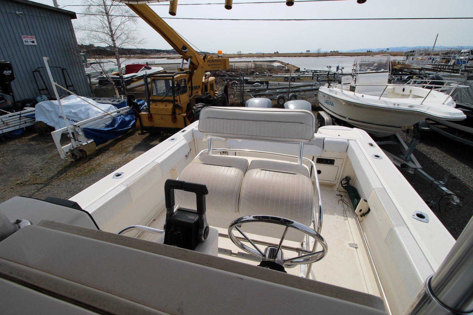 Boston Whaler 26 - IMG_0510