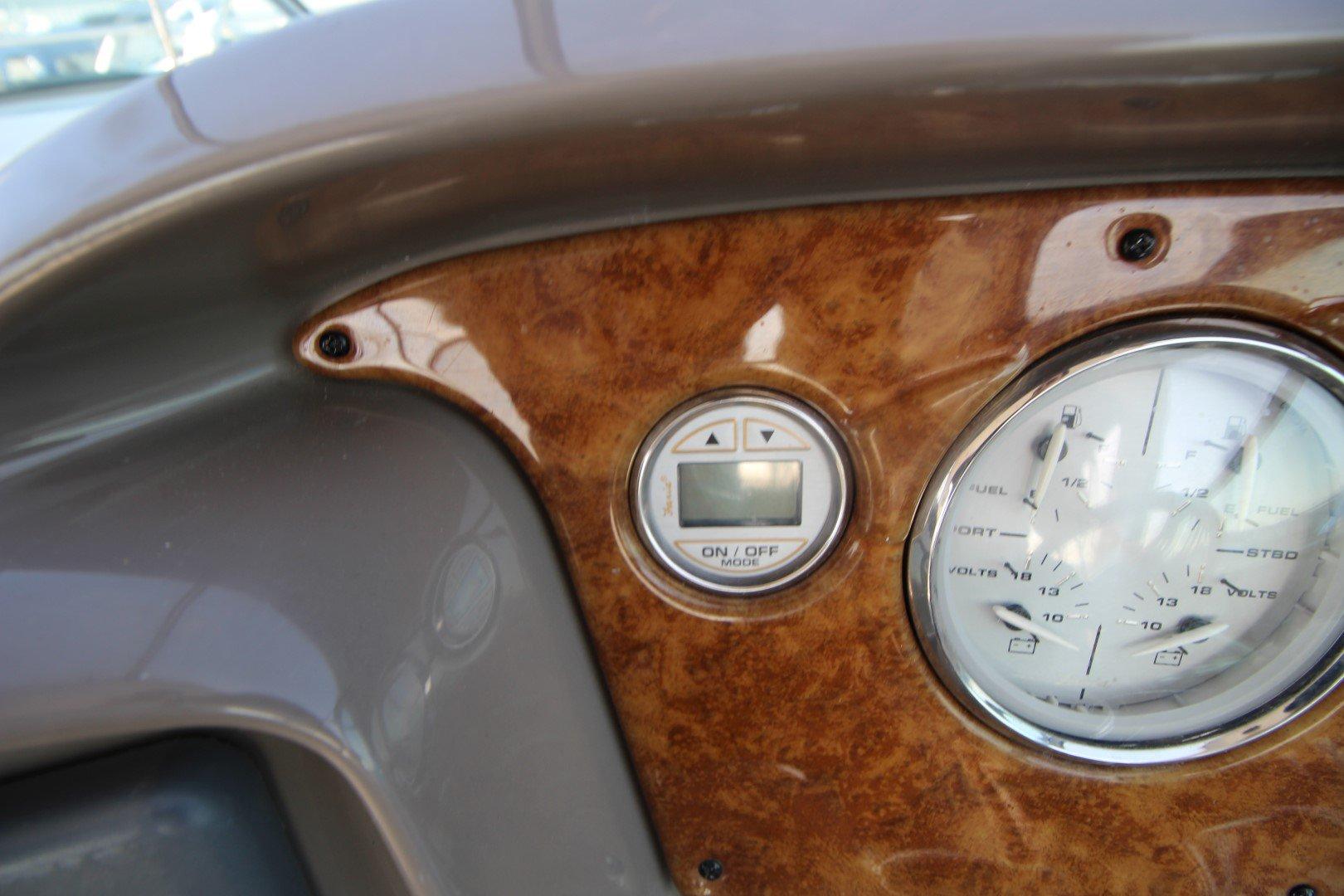 Rinker Express Cruiser 350 - IMG_2290