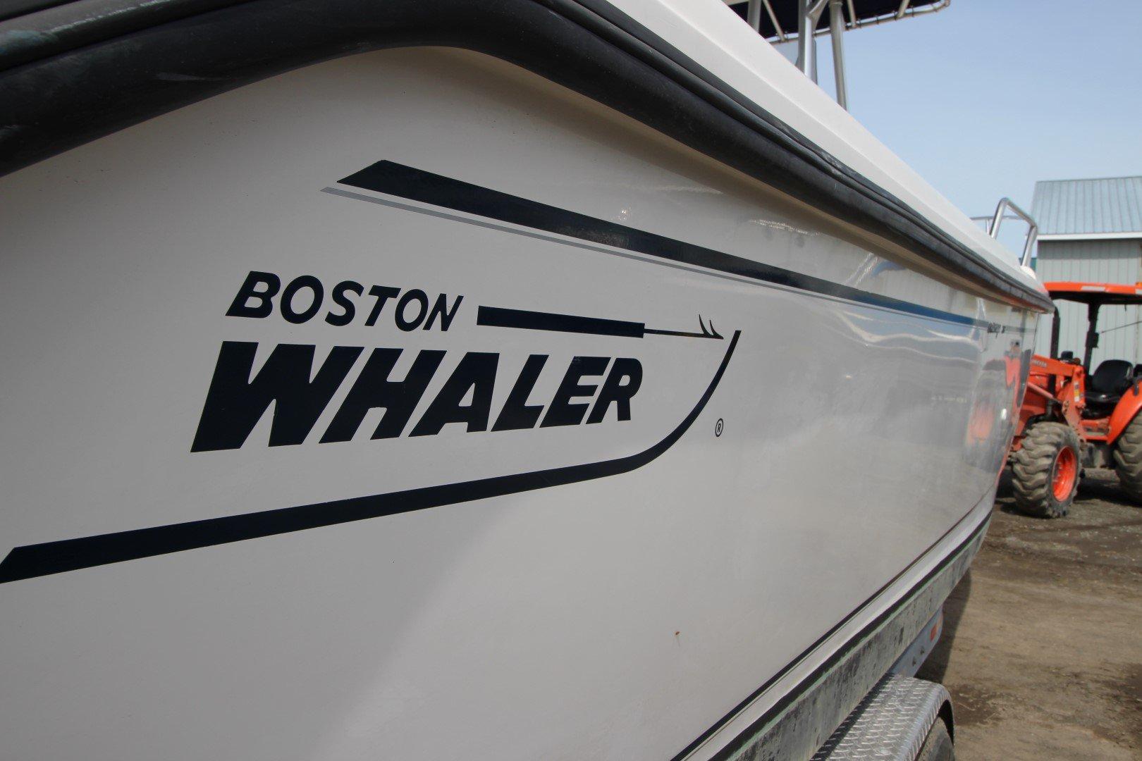 Boston Whaler 26 - IMG_0506